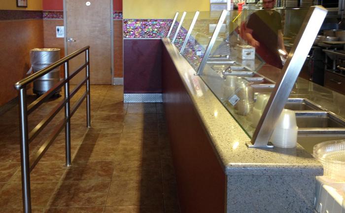 Cabo Fresh food shield and queue railing