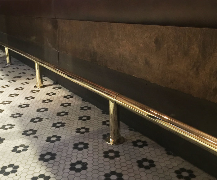 Floor-mounted Polished Brass Foot Rail