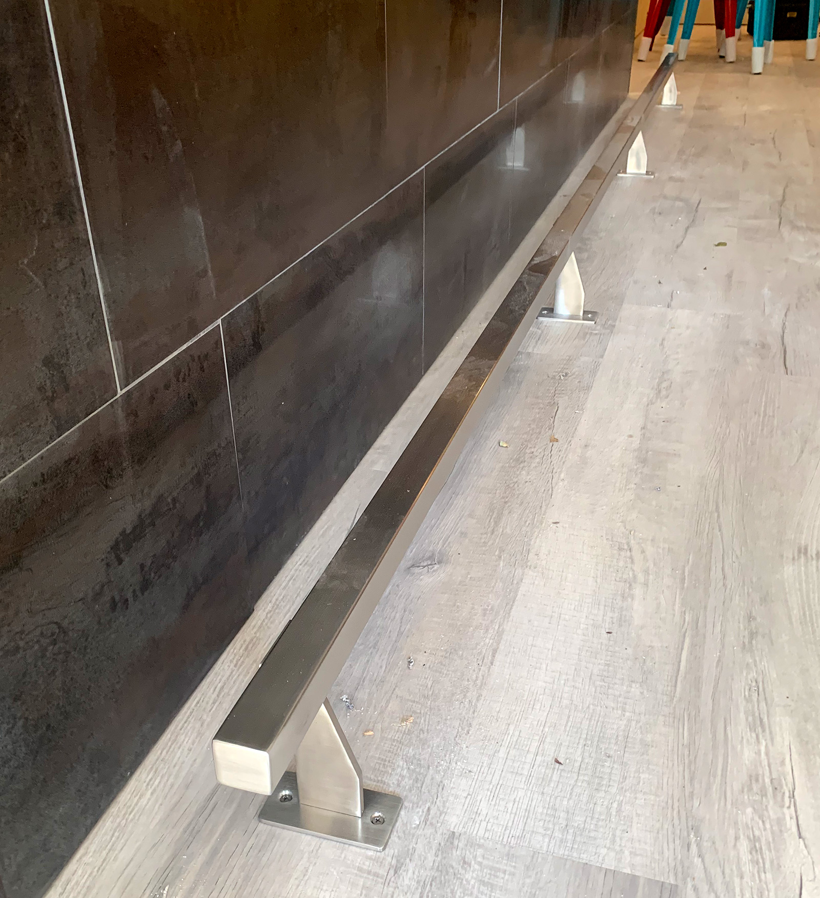 Satin Stainless Steel Foot Rail | Pizzabar 141 - Woodbury, NY