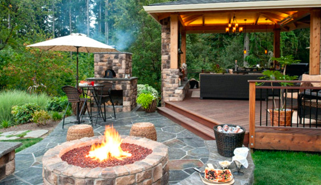 Fire Pit with Bar